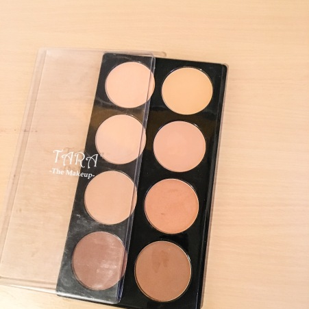 The powder palette. All shades are available as single powders.