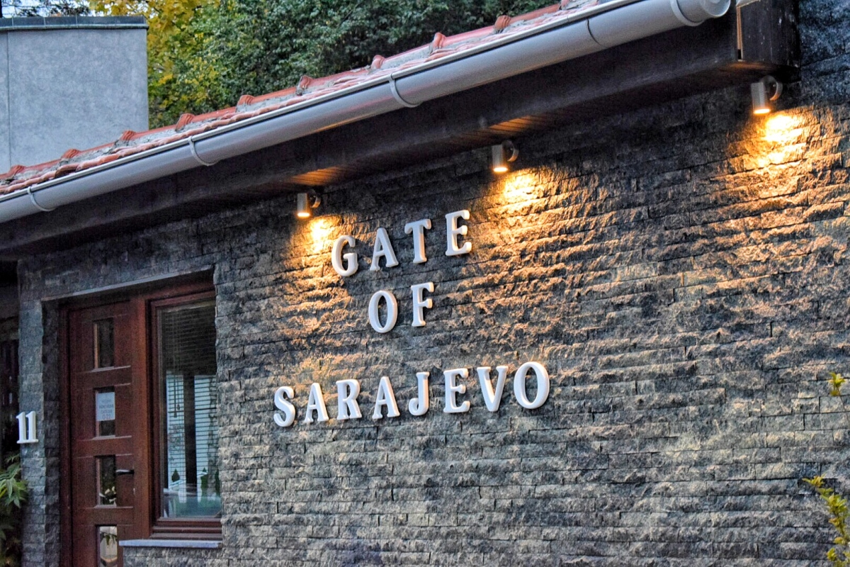 My Travel Photo Diary : 2 Hours In Sarajevo!