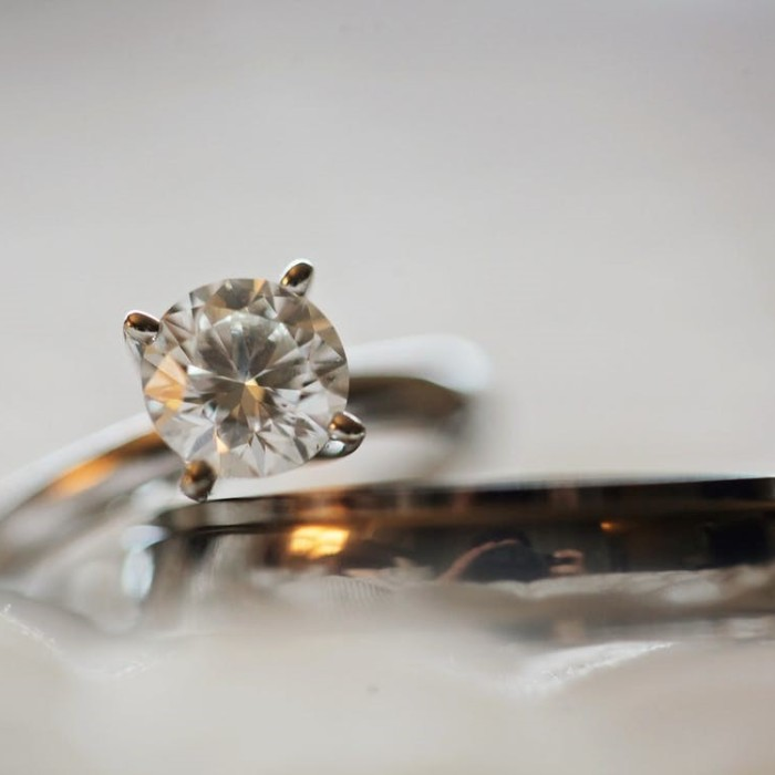 The ash tree journal tips on buying diamonds